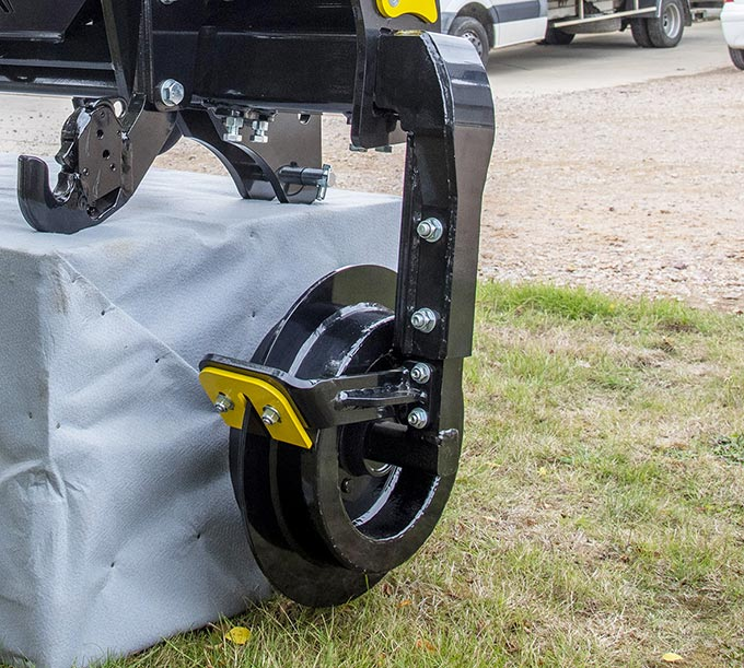 Independant guidance interface with large diameter anchor-wheels for vegetable crops and cereals